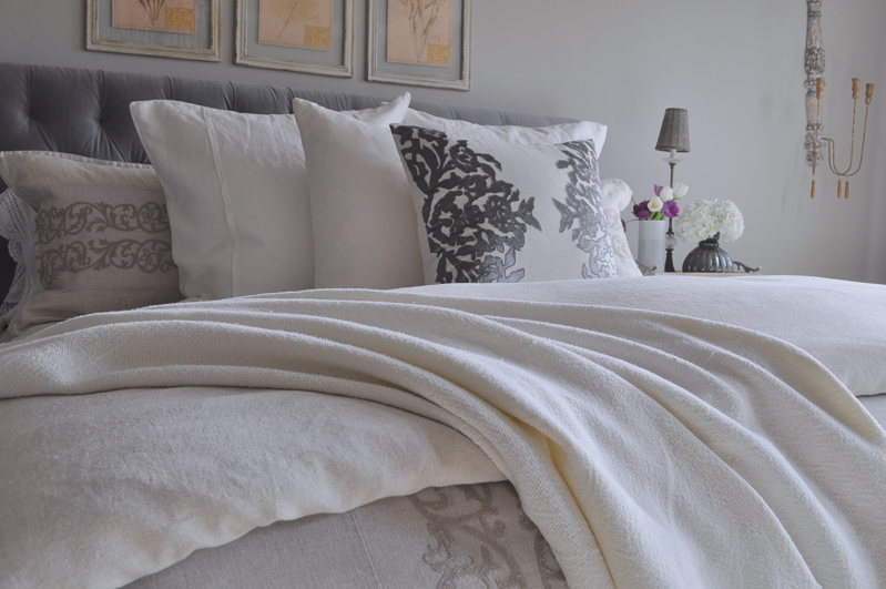 Bedroom Bed with Tufted Headboard, Linen Bedding, Gray and White