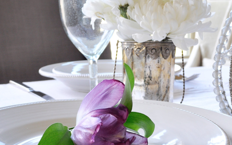 Style Your Place Settings With Flowers