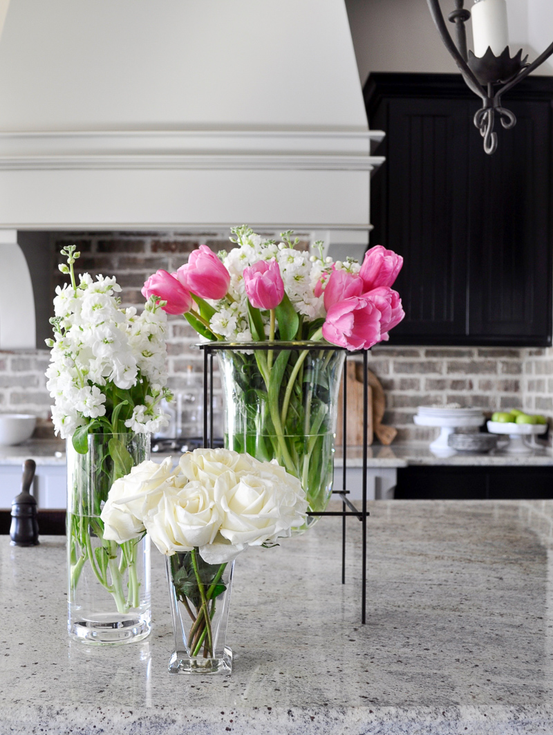 How to Decorate with a Glass Vase-1-11