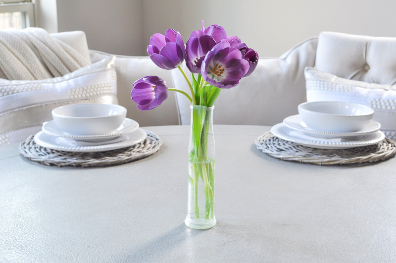 How to Decorate with a Glass Vase-1-9