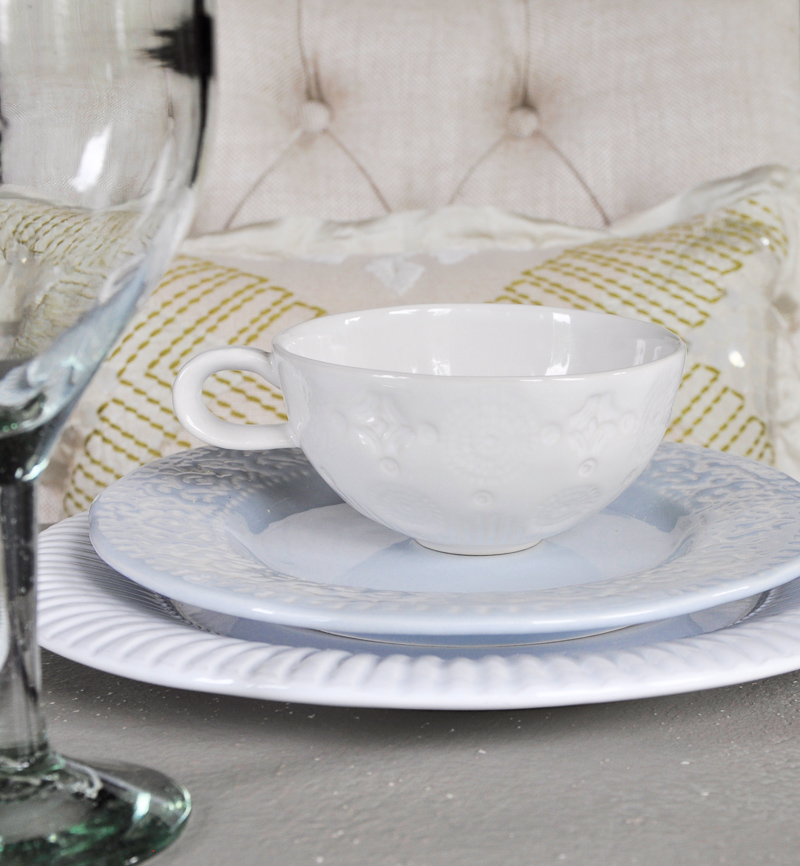 beautiful white table settings with teacups _