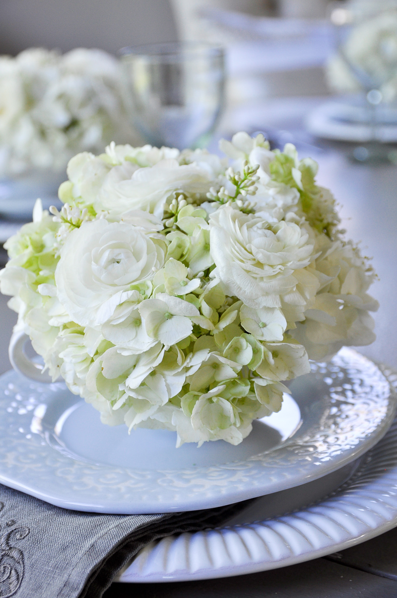 tablescapes with spring flowers and in teacups