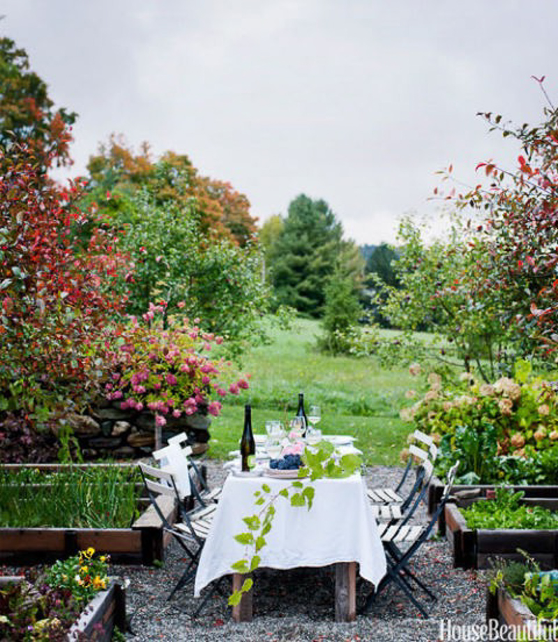http://www.housebeautiful.com/room-decorating/outdoor-ideas/g853/outdoor-room-design-ideas/?slide=20
