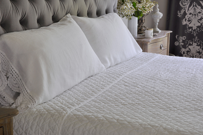 how to make a beautiful bed king pillowcase in white linen and