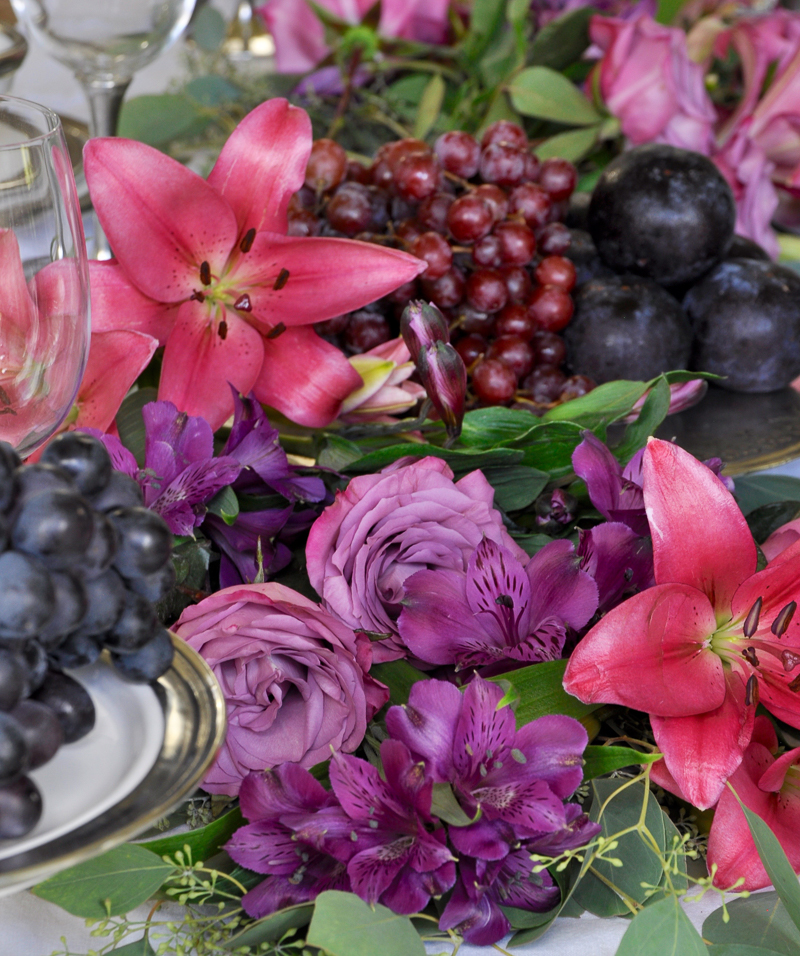 tablescape with fruit and flower garland as centerpiece stunning_