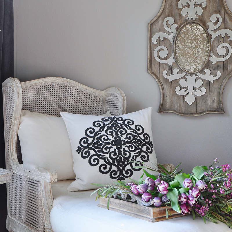 how to decorate with mirrors_