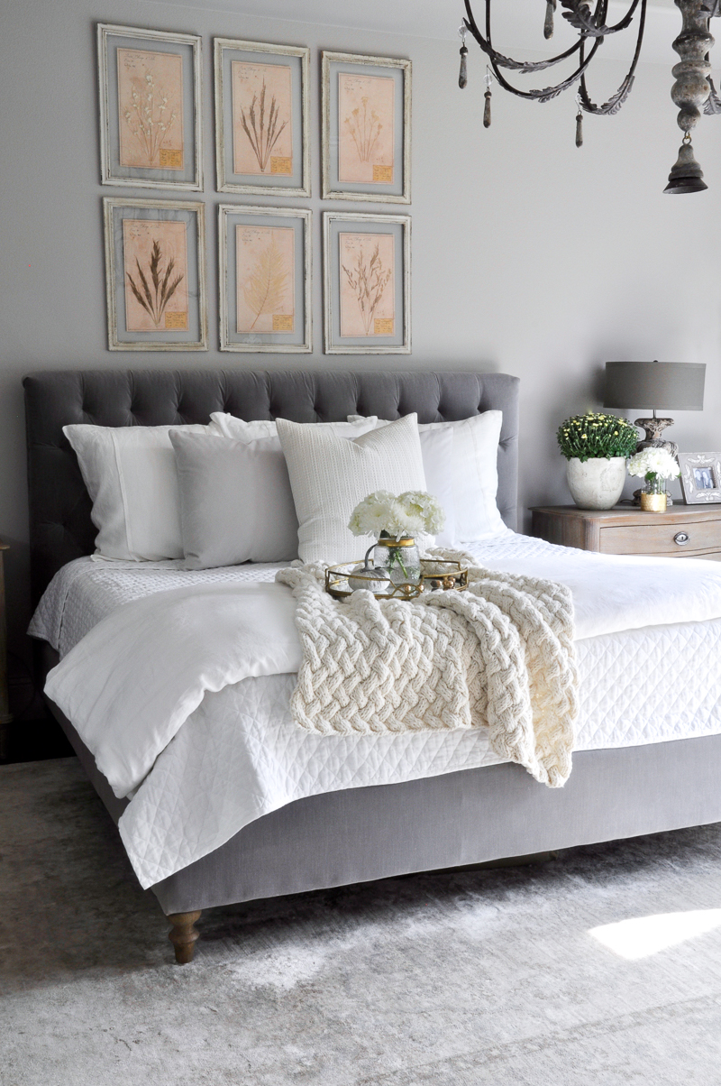 gray-and-white-bedroom-so-beautiful
