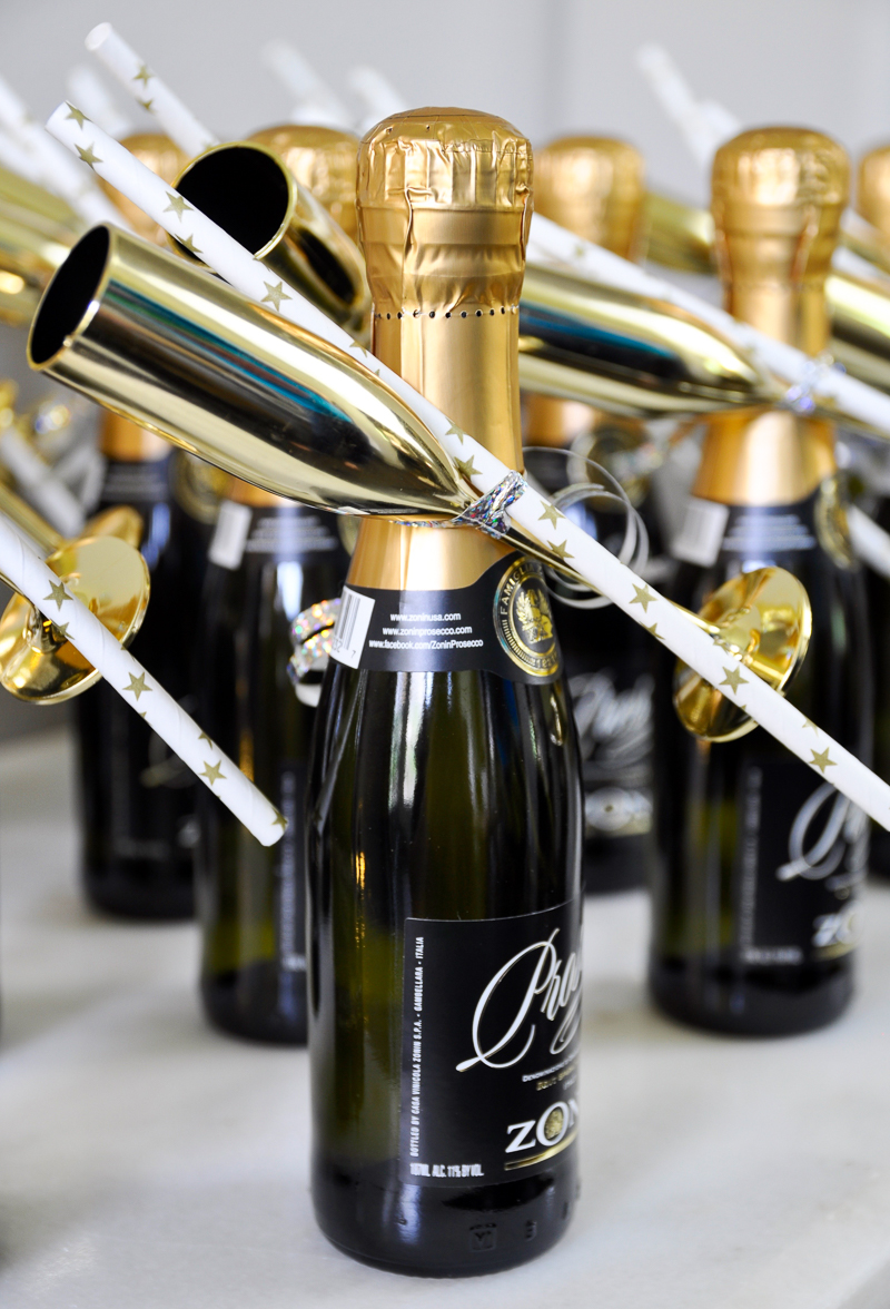 beautiful-individual-champagne-bottle-favors-for-bridal-shower_