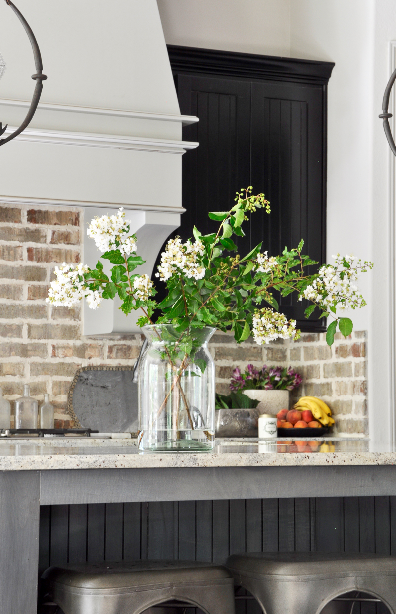 beautiful-kitchen-with-brick-backsplash-counter-styling-fall-tour