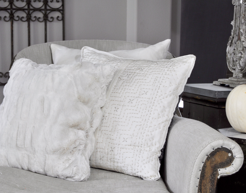 beautiful-neutral-fall-pillows_