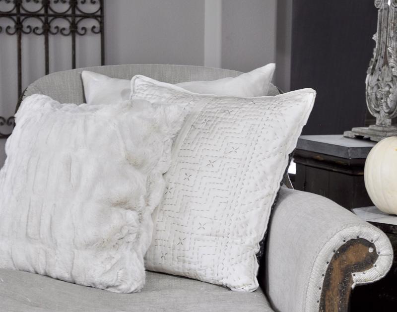 beautiful-neutral-fall-pillows_