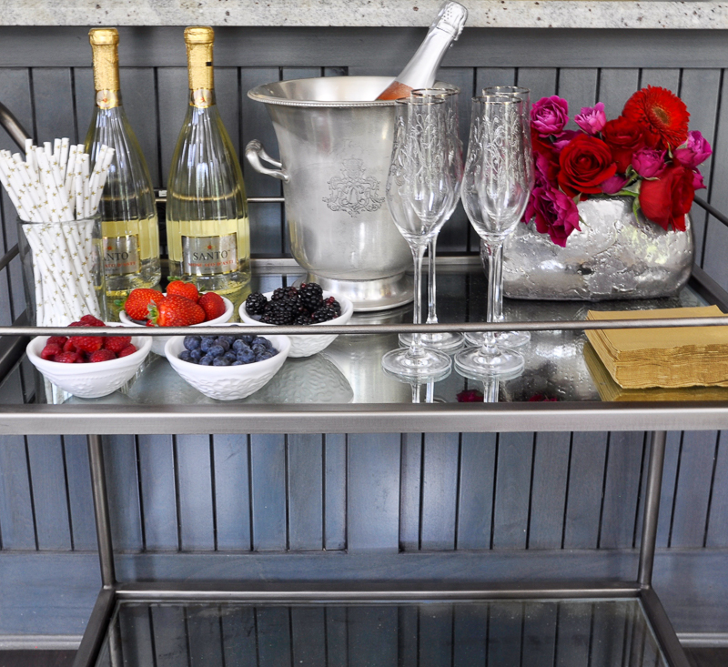 champagne-bar-cart-with-fruit-garnish-so-chic