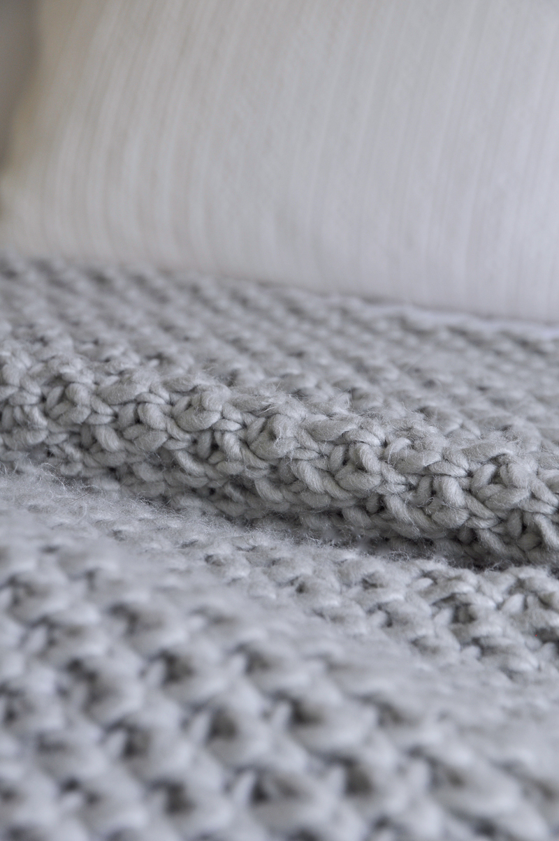 chunky-gray-throw-blanket-so-pretty-for-fall