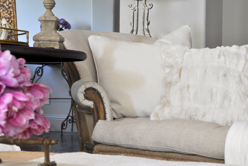 cozy-family-room-chaise-lounge-furry-pottery-barn-pillow
