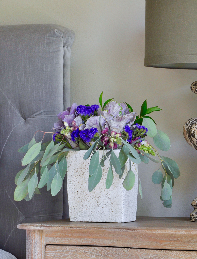 fall-floral-arrangement-for-bedside-table
