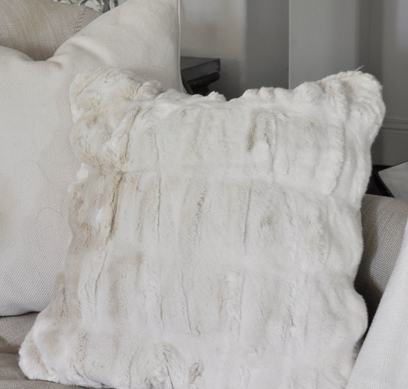 faux-fur-pottery-barn-pillow-beautiful-fall-accent_