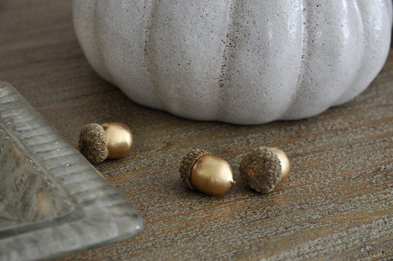 gold-acorns-by-pottery-barn-for-fall-decorating-so-cute
