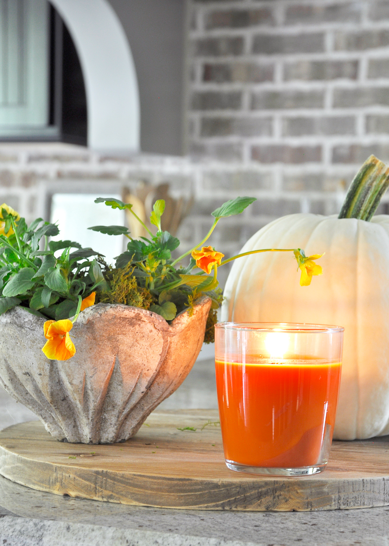 how-to-create-a-fall-vignette-by-grouping_