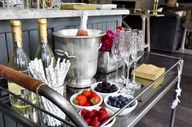 how-to-style-a-champagne-station_