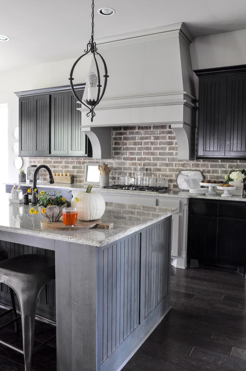 kitchen-with-fall-decor-gorgeous