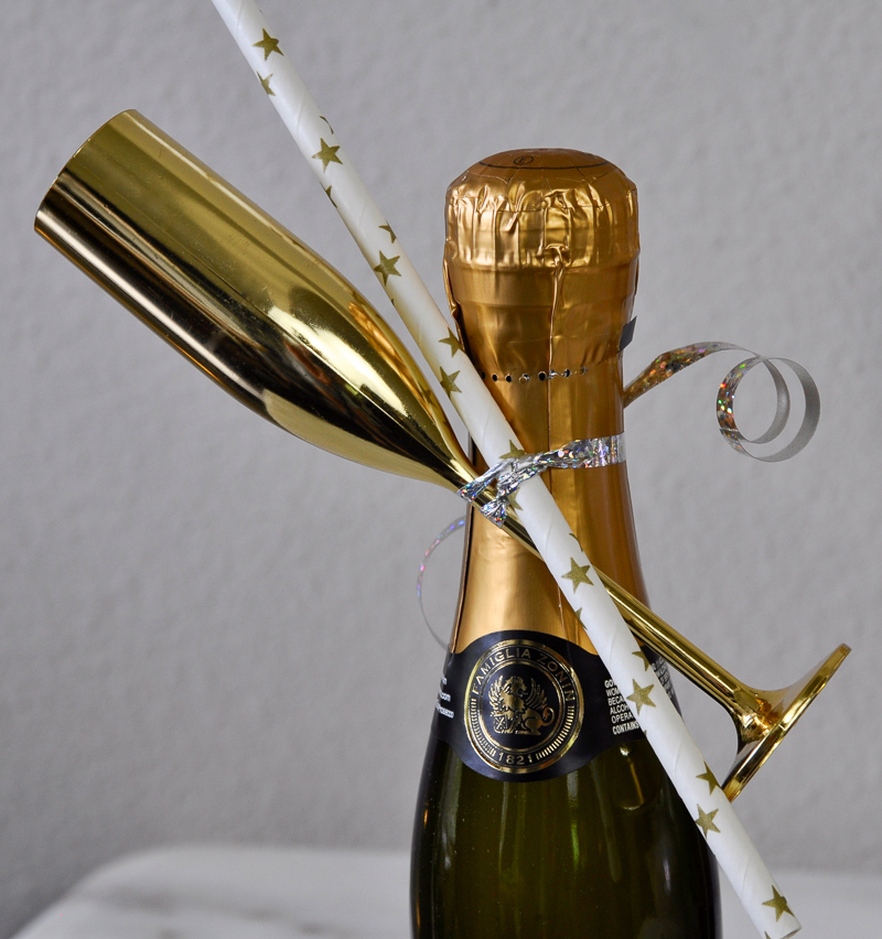 mini-champagne-bottle-favors_