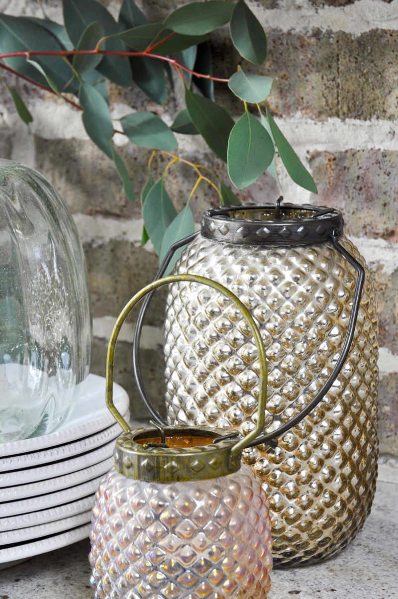 pretty-glass-lanterns-in-vignette