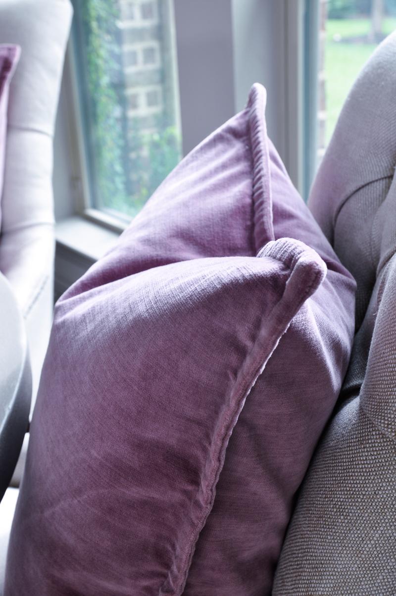 purple-velvet-pottery-barn-pillow-perfect-for-fall-2