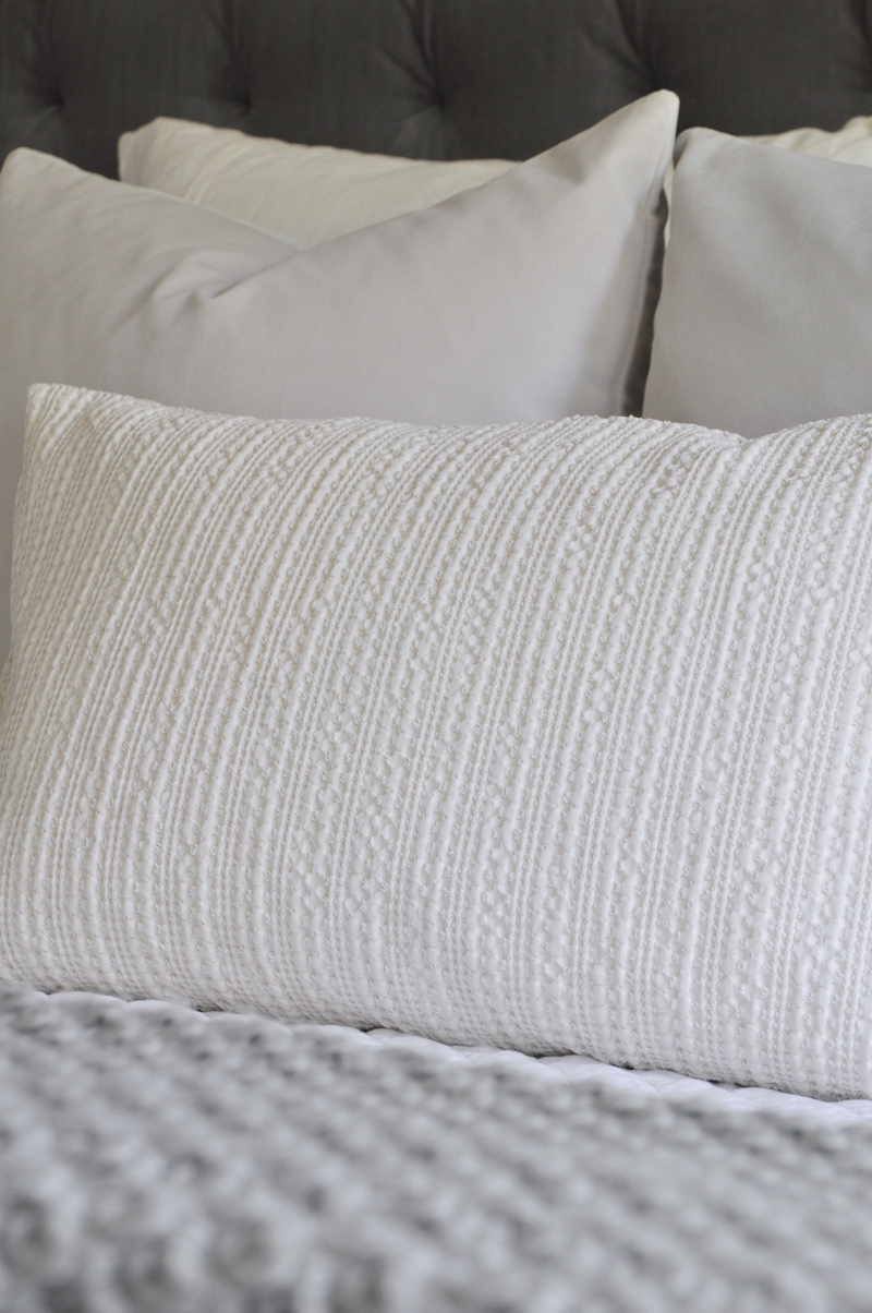 textured-bedding-details-and-pottery-barn-pillow-so-pretty-for-fall