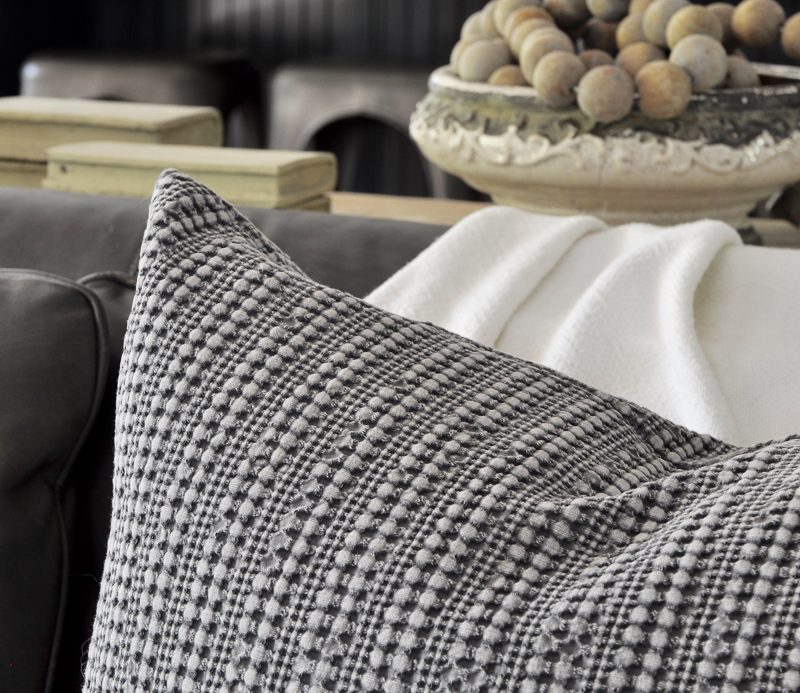textured-pottery-barn-pillow-perfect-for-fall