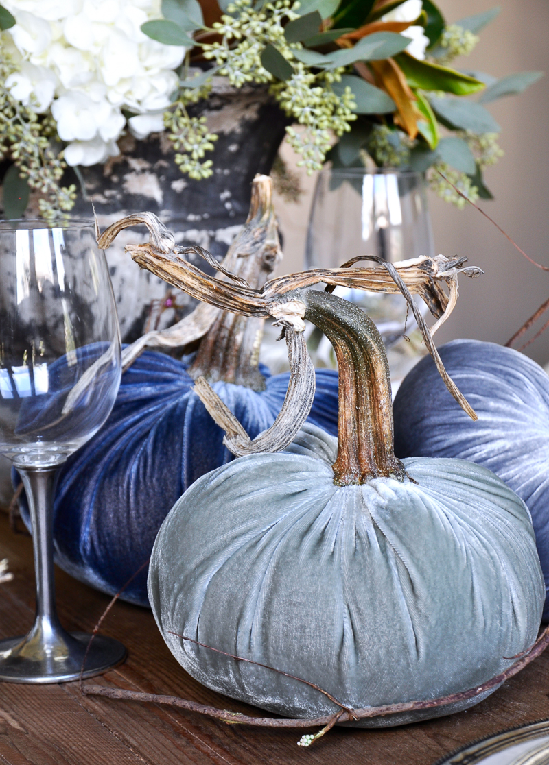 beautiful-blue-velvet-pumpkins-by-hot-skwash