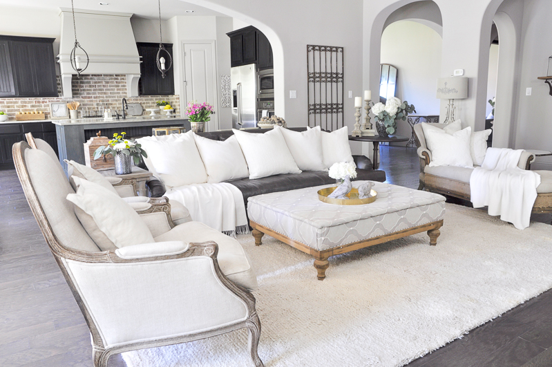 beautiful-neutral-living-room-elegant-comfort_