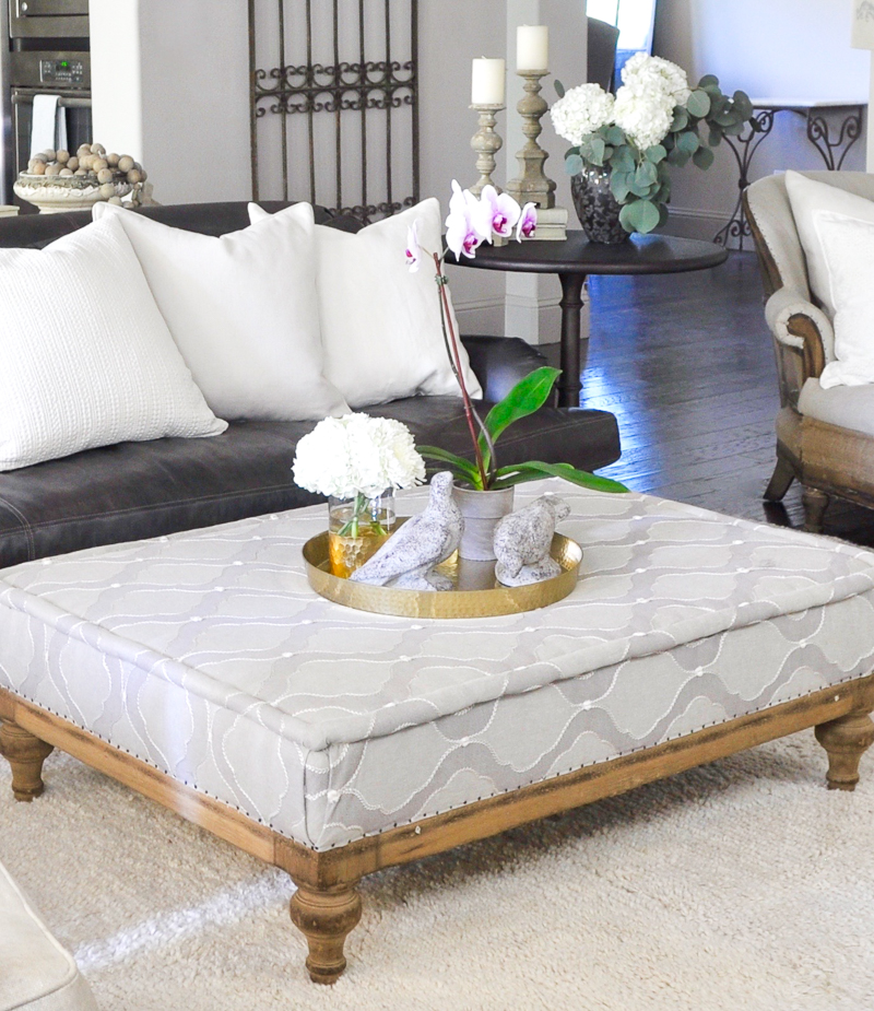beautiful-neutral-living-room-ottoman_