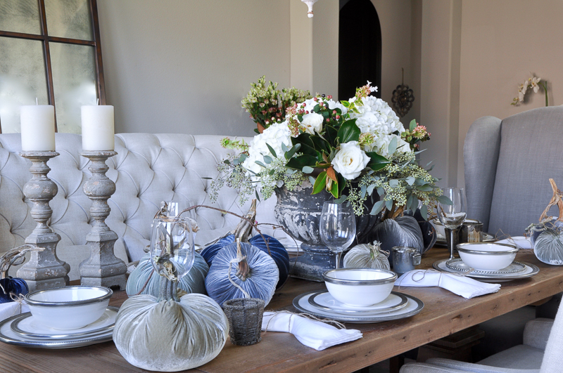 gorgeous-thanksgiving-table-romantic-and-beautiful