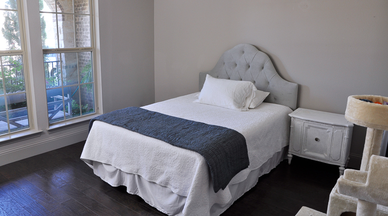guest-bedroom-before-pic-one-room-challenge_-2