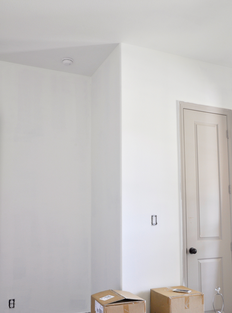 one-room-challenge-benjamin-moore-simply-white_