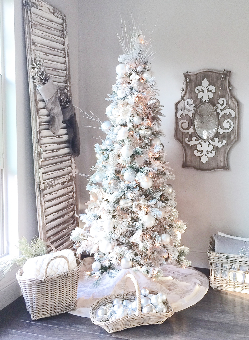 beautiful-white-christmas-tree