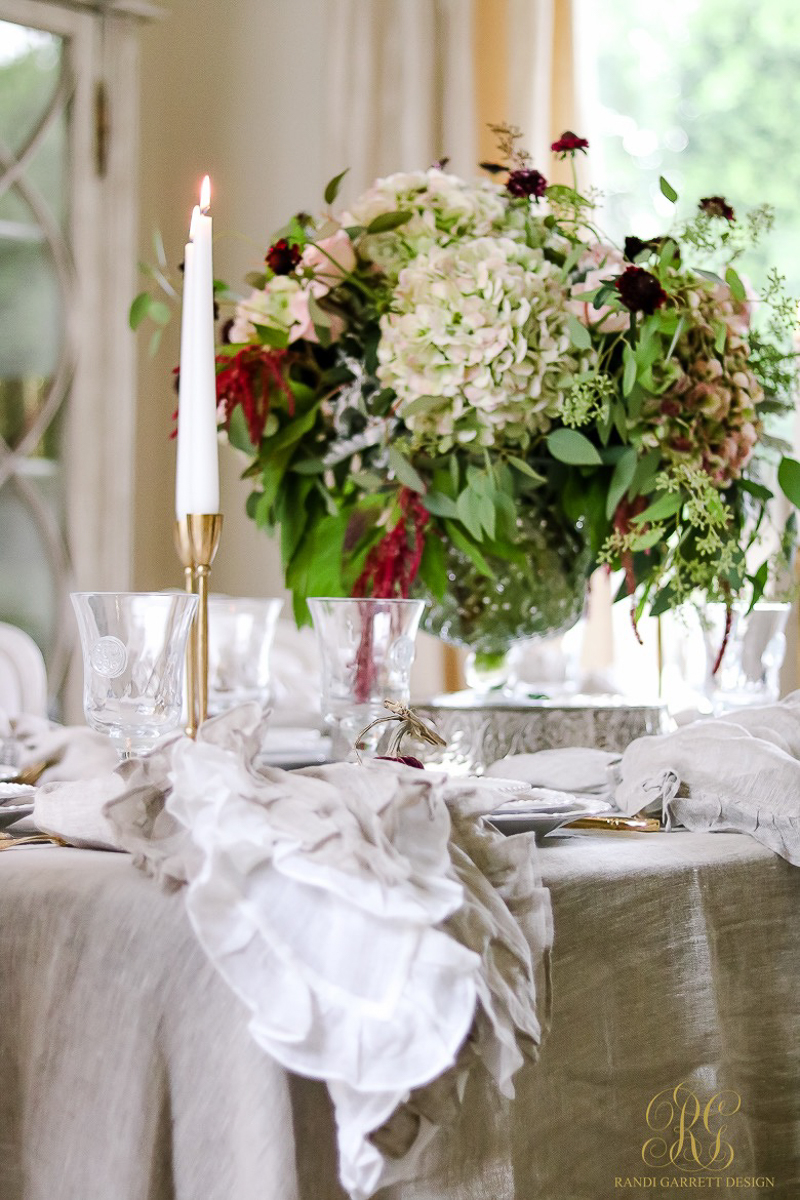 a-beautiful-white-dining-room-tablescape_-3