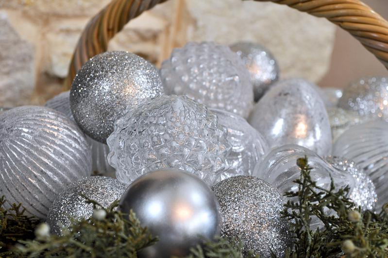 basket-full-of-ornaments_