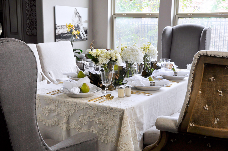 beautiful-gray-and-white-dining-room_