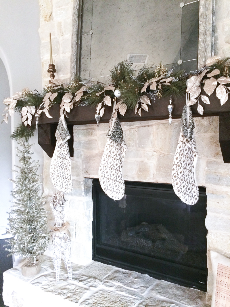 beautiful-mantle-decorated-for-christmas_