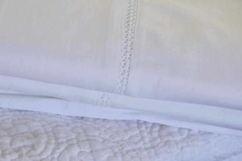 beautiful-white-bedding-details_