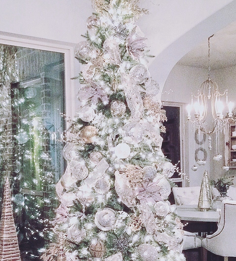 beautiful-white-christmas-tree-2