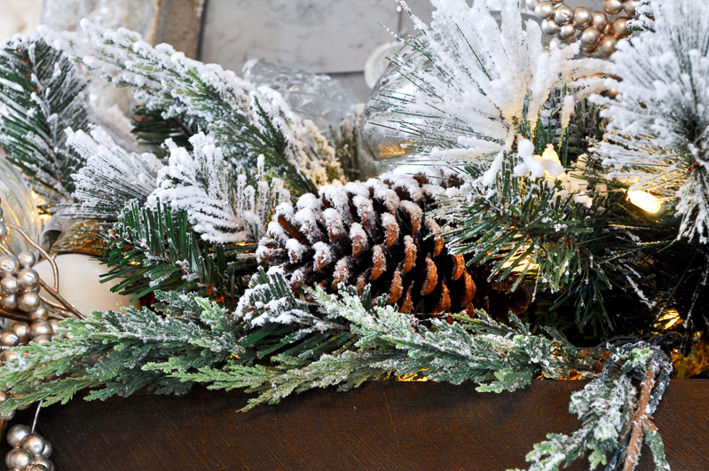 christmas-mantle-featuring-balsam-hill