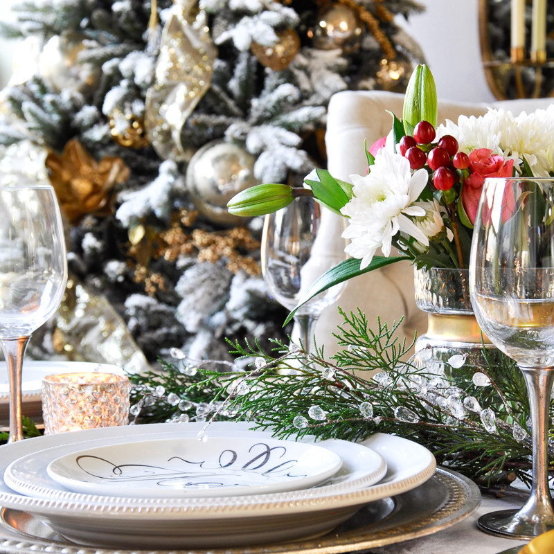 A Classic Christmas Holiday Table – Holiday Entertaining Blog Tour