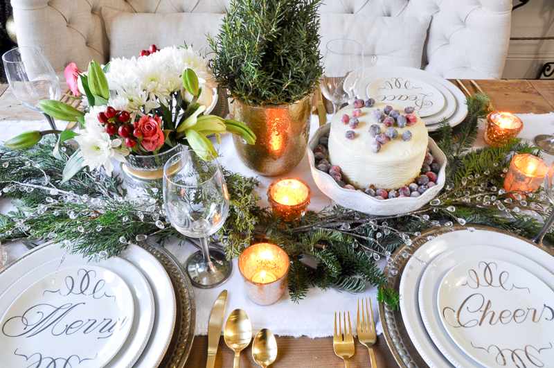 classic-christmas-tablescape-so-beautiful