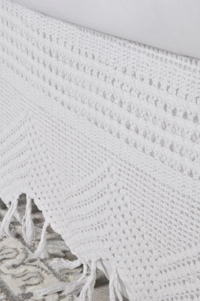 crochet-bedskirt-by-pom-pom-at-home-love-it