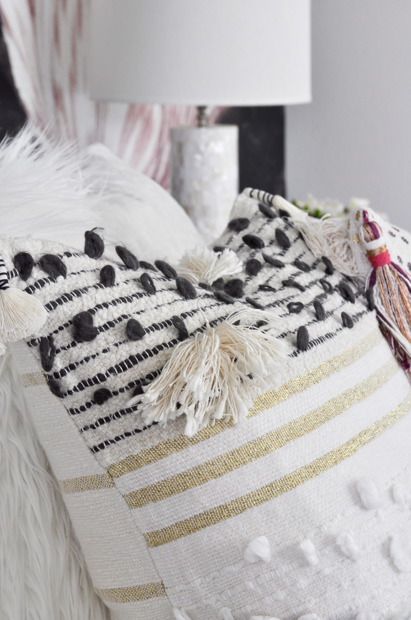 cute-pillow-from-anthropologie_