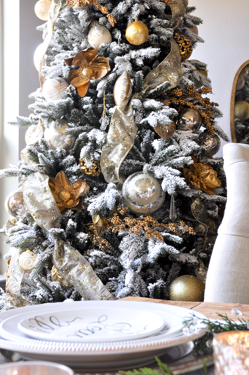 elegant-gold-and-white-christmas-tree