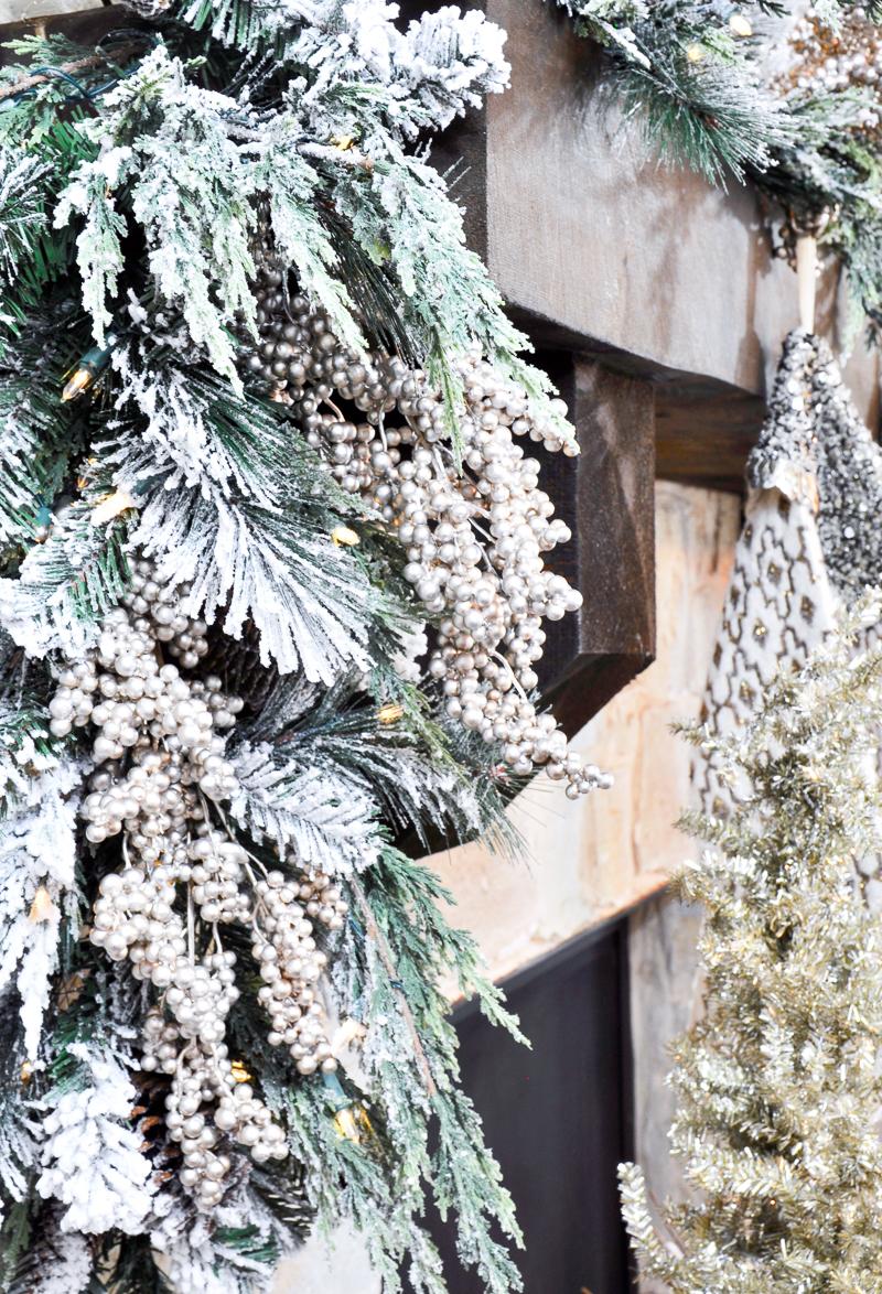 flocked-garland-christmas-mantle-so-beautiful-2