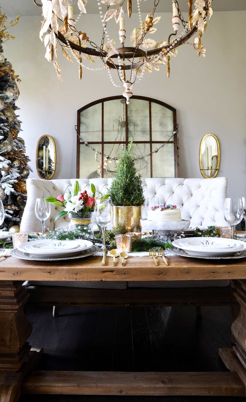 A classic christmas holiday table holiday entertaining for Decor gold blog